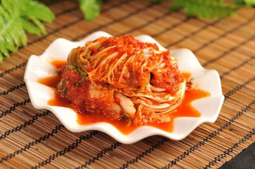 Tomato paste and monosodium glutamate