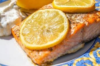 Salmon roast with lemon