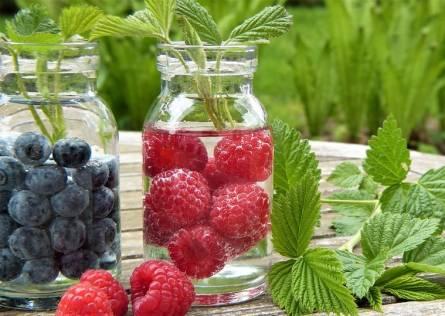 Fruit water. Raspberries and blueberries