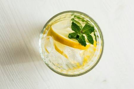 Lemon, mint and water