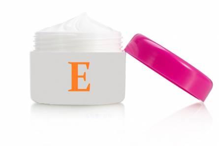 Face cream with vitamin E