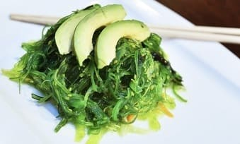 Can pregnant women eat seaweed salad