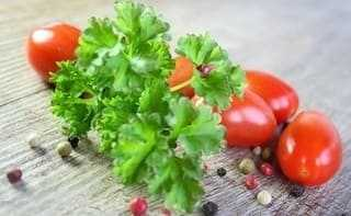 Parsley, tomato and pepper