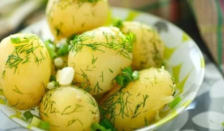 Boiled potatoes have almost no negative impact on the body in diabetes.